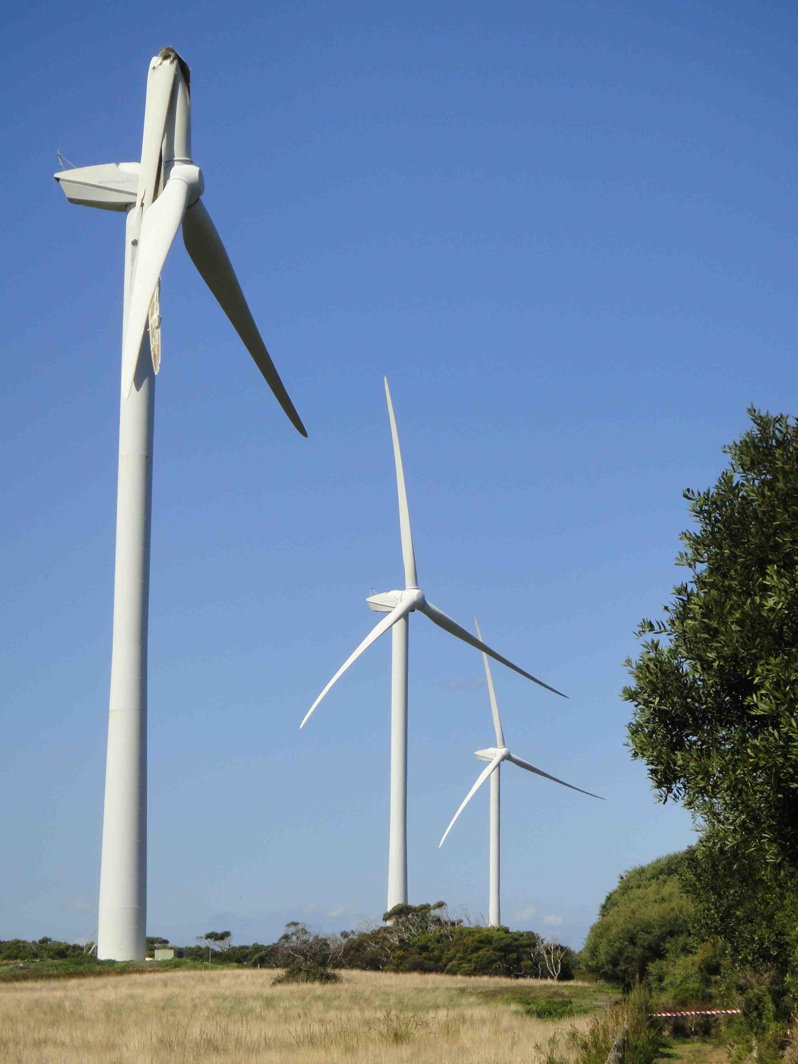 Wind turbine thunderstruck at Wonthaggi