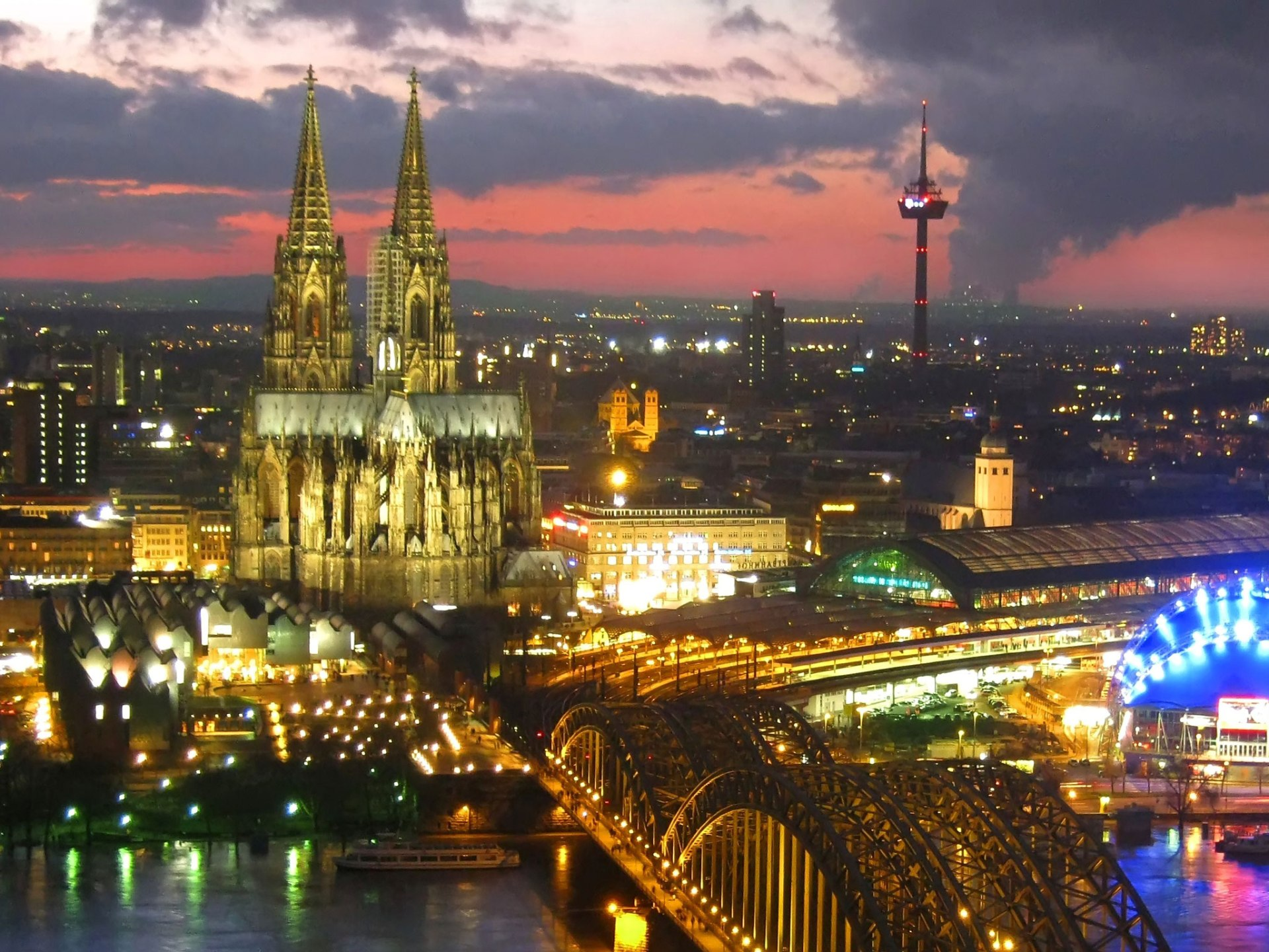cologne_germany_by_night_2048x1536_wallpaper
