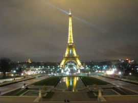 eiffel-tower-night-1024x768