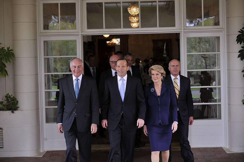 800px-Prime_Minister_Tony_Abbott_and_Ministry_leaving_the_swearing_in_ceremony